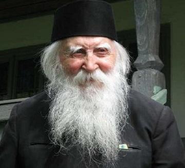 Slujbă de pomenire la 7 ani pentru un fost director și profesor – Arhidiaconul Ioan Ivan