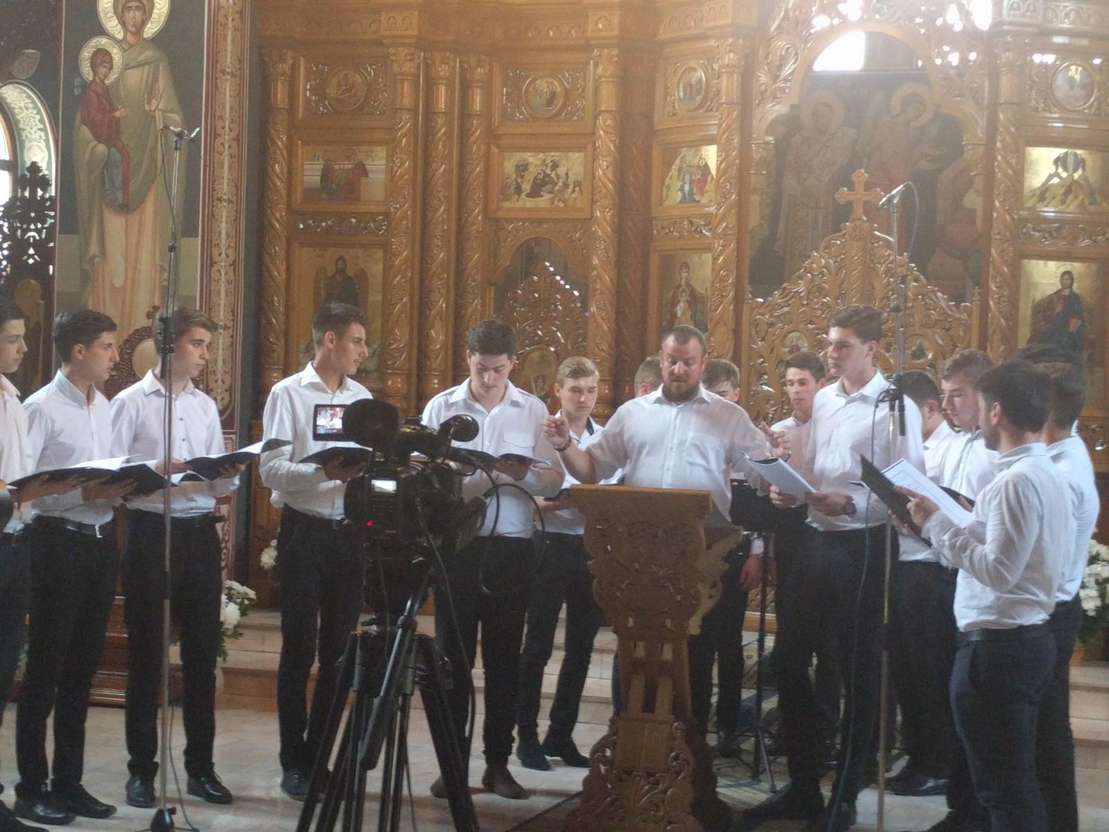 """Corul Seminarului de la Mănăstirea Neamț la Festivalul Concurs Coral Internațional pentru Tineri """"Gavriil Musicescu"""""""