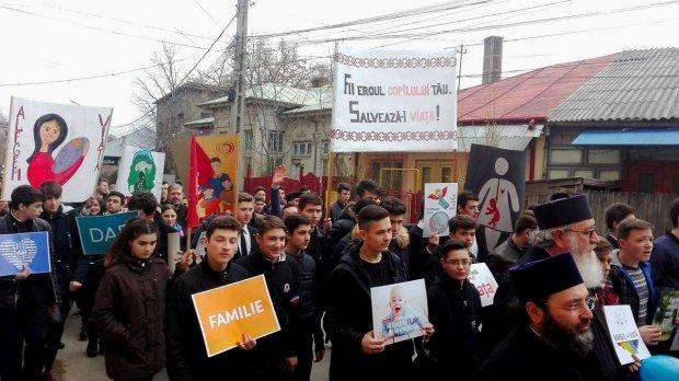 marsul-pentru-viata-tirgu-neamt-ator-4
