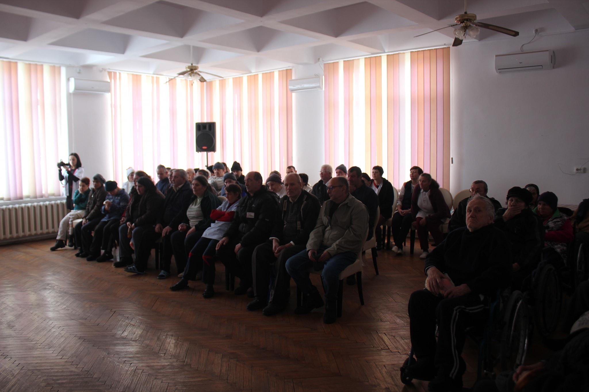 """""""Leru-i ler"""" în sufletele bătrânilor din Centrul de Asistență și Îngrijire – Târgu Neamț"""