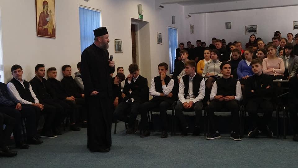 Părintele Iulian Anițeidin Houston – SUA la Seminarul de la Neamț