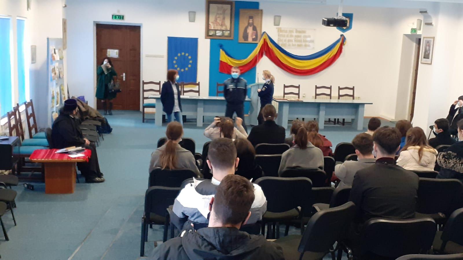 Proiect educațional între seminar și Poliția Județeană Neamț