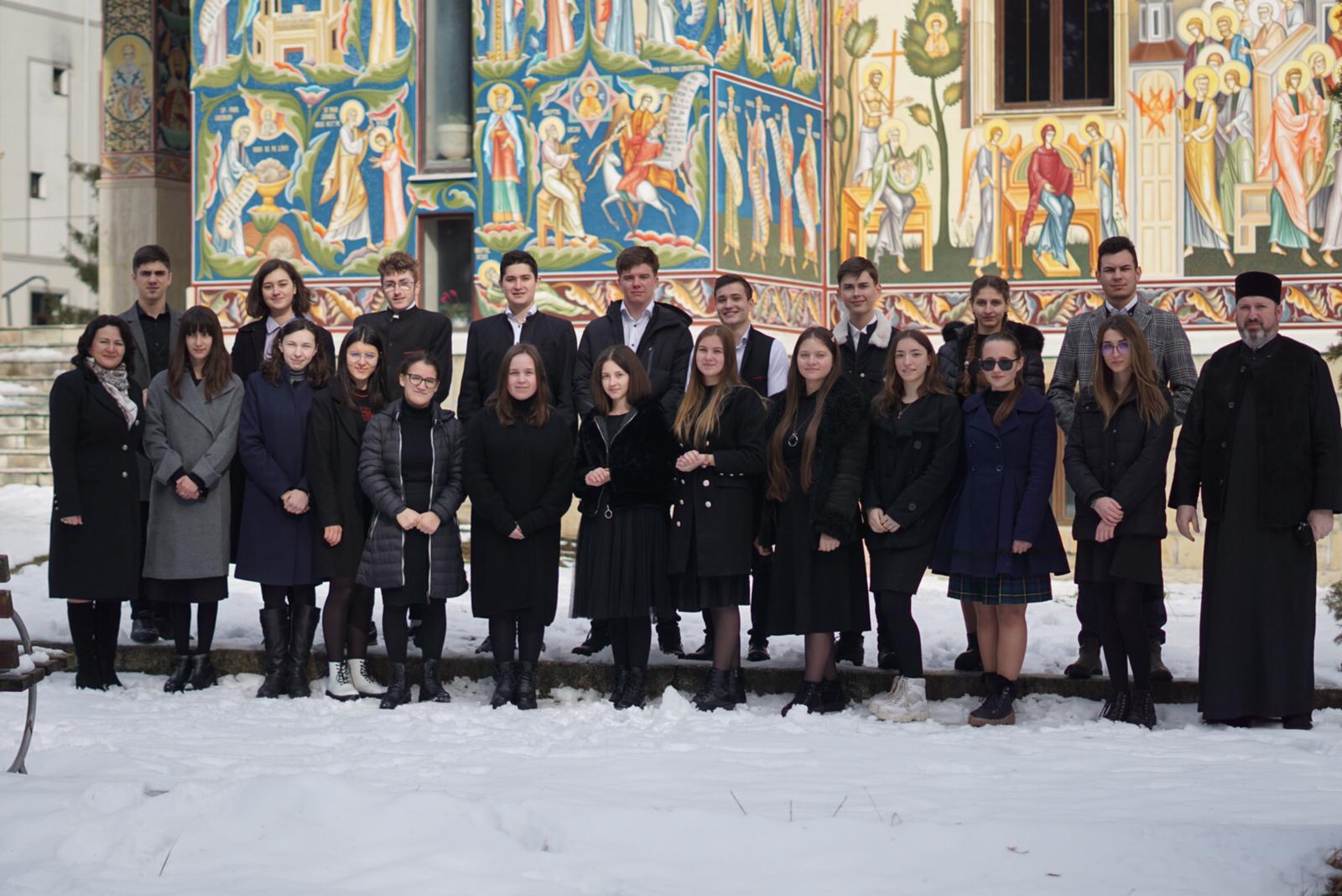 """Elevi participanți la Festivalul Internațional de Artă plastică pentru copii """"The small Montmartre of Bitola"""" Macedonia 2021"""