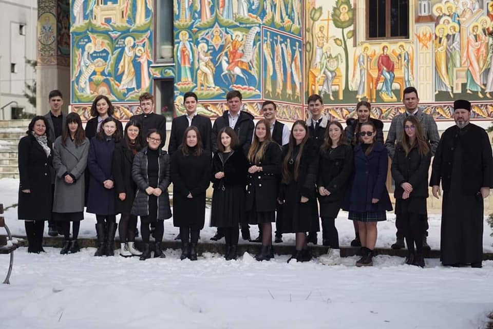 ",,GOLDEN BRUSH'' și ""GOLD PALETTE"" pentru elevii de la Neamț la ""The small Montmartre of Bitola"" – Macedonia 2021"